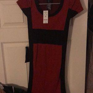 NWT BEBE RED & BLACK COLORBLOCK BODYCON MID DRESS